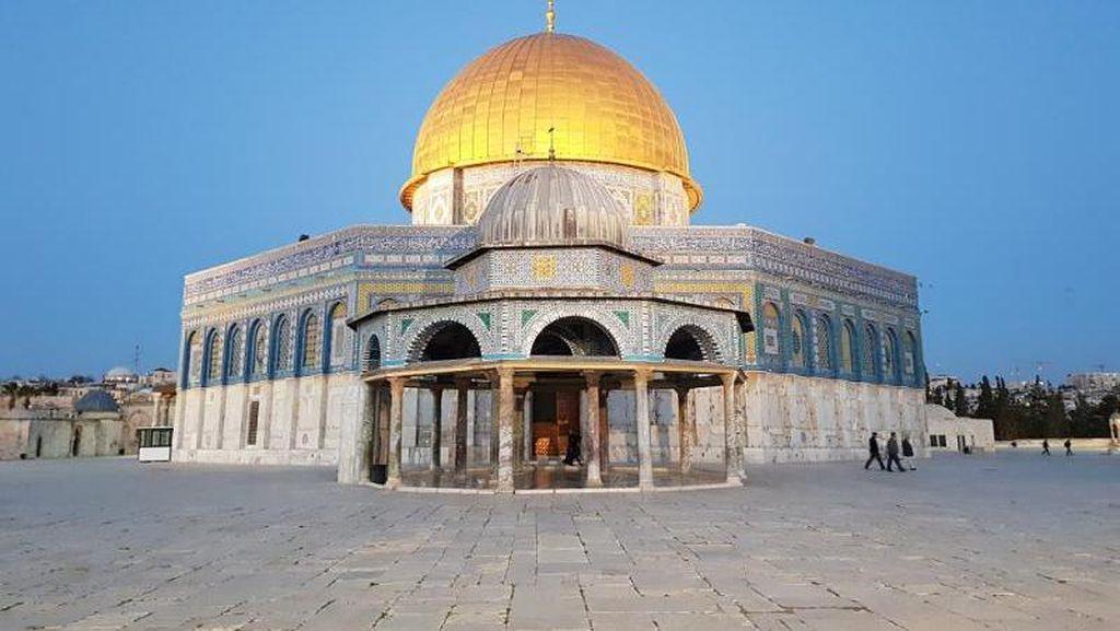 Lebih Dekat dengan Bangunan Islam Tertua Dunia