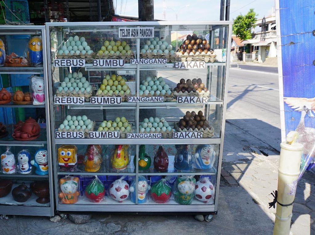 Jangan Kebablasan, Para Penjual Telur Asin Sudah Pindah ke Tegal