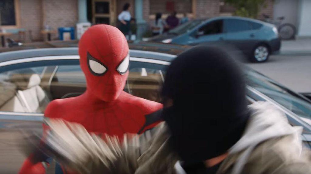 Begini Nih, Saat Spider-Man Ujian SIM Mobil