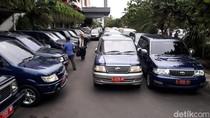 Lelang 12 Mobdin Bekas Pemkot Surabaya Sepi Peminat