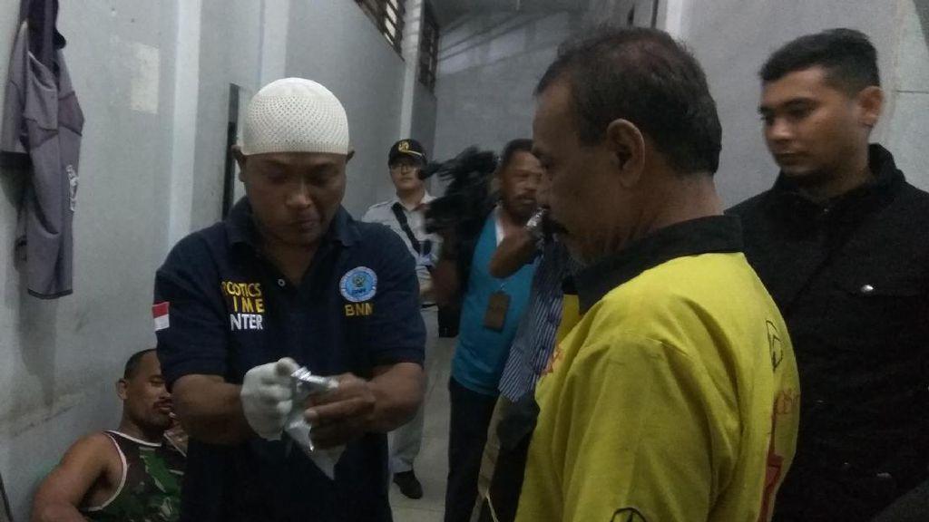 Sopir Angkutan Mudik Banda Aceh-Medan Jalani Tes Urine