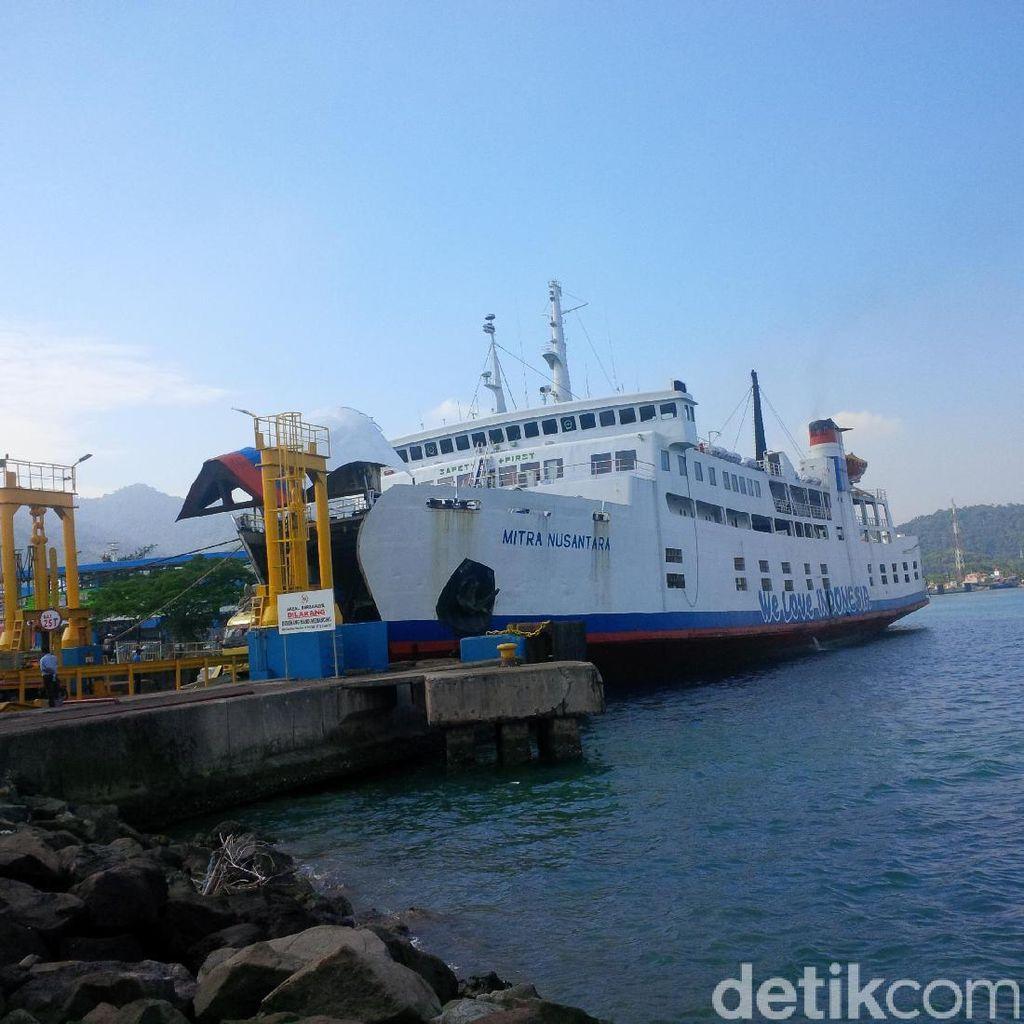 Terdorong Angin, Kapal ASDP Tabrak Bantalan Dermaga III di Merak