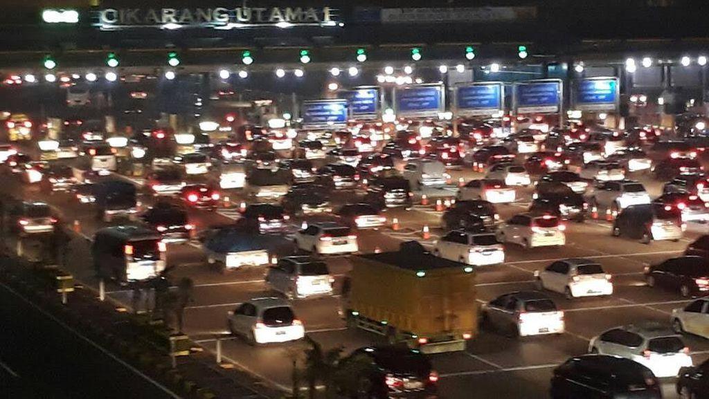 120.000 Kendaraan Bakal Lewat Gerbang Tol Cikarang Utama Malam Ini