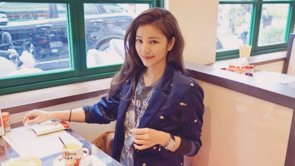 Teori Netizen Melihat Wanita Usia 41 Tahun Masih Menawan