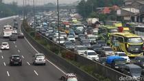 Foto: Penampakan Macet Parah di Tol Jakarta-Cikampek