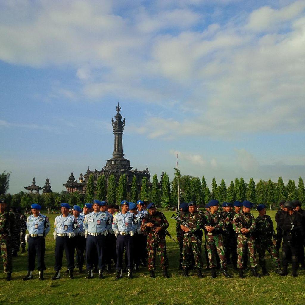 TNI-Polri Gelar Apel Pasukan Pengamanan Obama di Bali