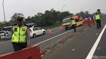 Urai Macet, Tol Jakarta-Cikampek Diberlakukan Contraflow di KM 27