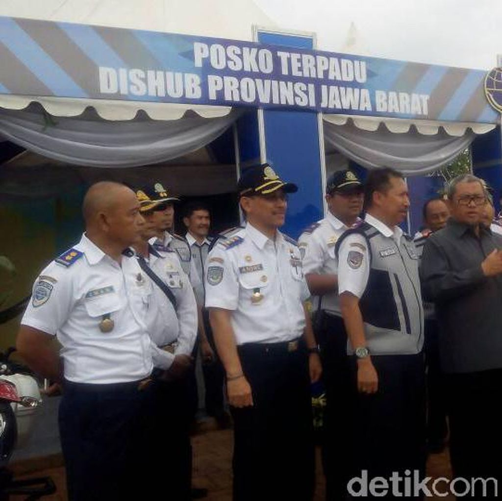 Gubernur Aher Klaim Mudik 2017 di Jabar Berjalan Lancar