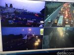 Traffic Update: Pelabuhan Merak dan KM 37 Tol Cikampek Padat