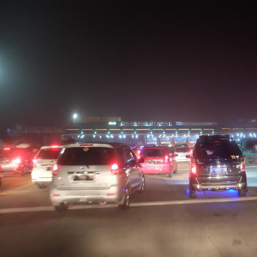 Volume Kendaraan di GT Cikarang Utama Arah Cikampek Turun 11%