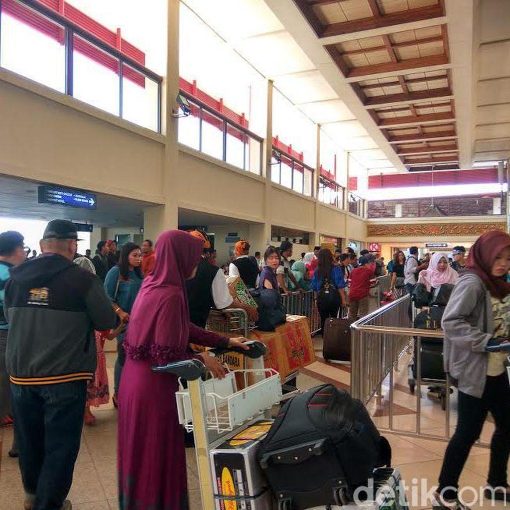 Puncak Mudik di Bandara Juanda Diprediksi Hari Ini