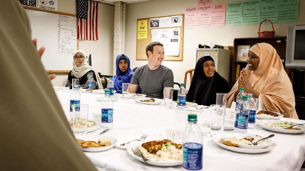 Bos Facebook Buka Puasa Bersama Pengungsi Somalia