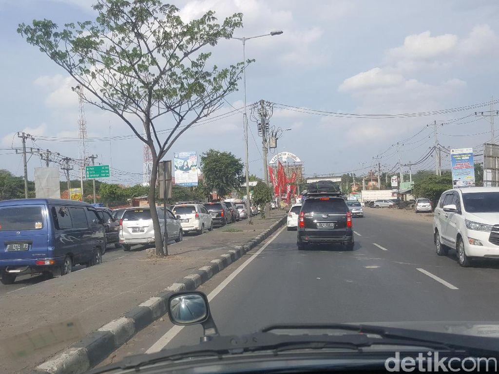 Arus Mudik, Polisi Berlakukan Contraflow di Macet Kendal-Semarang