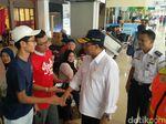 Tinjau Bandara Halim, Menhub Budi Dicurhati Penumpang