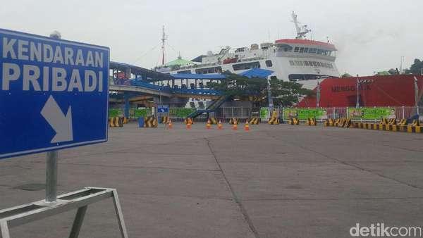 Antrean Kendaraan Pemudik di Pelabuhan Merak Sudah Lengang