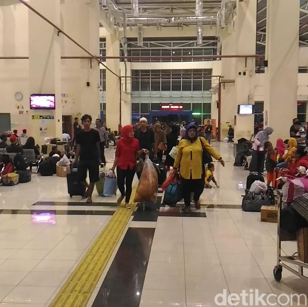 H-2 Lebaran, 11.165 Pemudik Berangkat dari Terminal Pulo Gebang