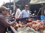 Permintaan Naik, Ayam Afkiran Banyak Dijual di Pasar di Jepara.
