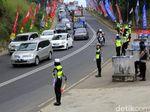 Melihat Kesigapan Polisi Urai Kemacetan di Nagreg