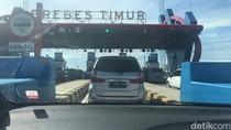 Tol Cikampek ke Brexit Lancar, Setelahnya Macet Arah Semarang
