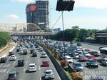 Tol Cawang Arah Bekasi Macet 14 Km