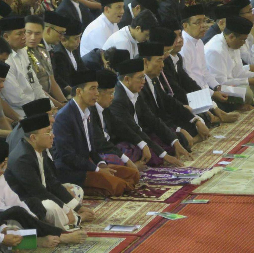 Jokowi Tunaikan Salat Idul Fitri 1438 H di Istiqlal