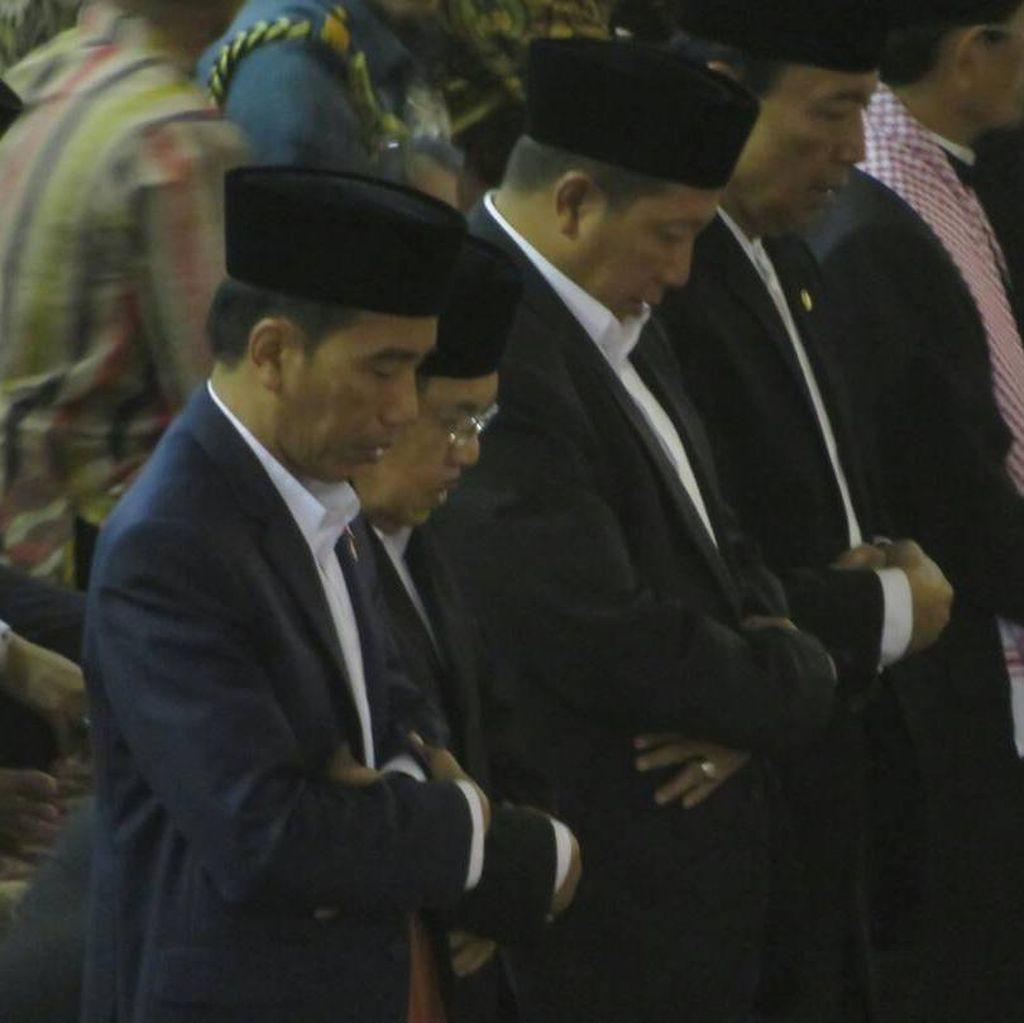 Saat Jokowi-JK dan Jemaah Khidmat Salat Id di Masjid Istiqlal