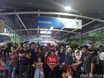 Pengunjung Ragunan Pulang, Halte TransJ Disesaki Penumpang