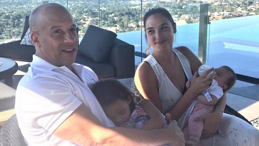Viral, Foto Gal Gadot dan Vin Diesel Mengasuh Anak Bersama
