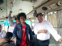 Menhub Budi Karya Sumadi mencoba aplikasi pemandu transportasi publik berbasis trayek Moovit