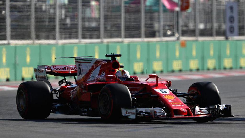Vettel Sebut Hamilton Harusnya Dapat Penalti Juga