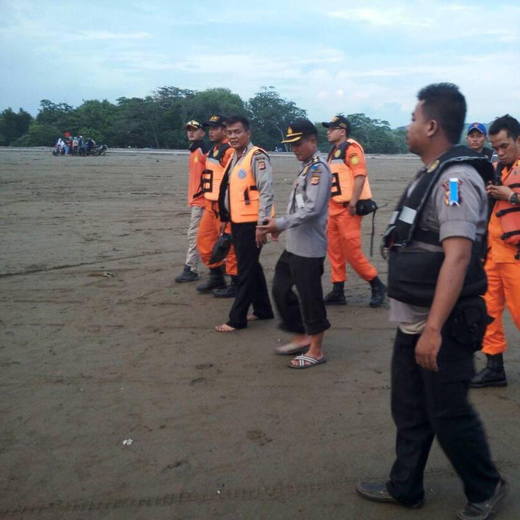 2 Wisatawan Hilang saat Berenang di Pantai Ciseureuh Garut