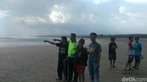 2 Remaja Hilang Digulung Ombak Pantai Cijeruk Garut