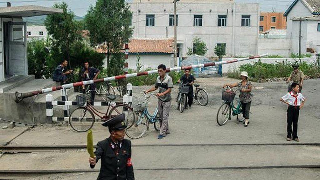 Potret Terlarang Ungkap Keseharian Rakyat Korea Utara