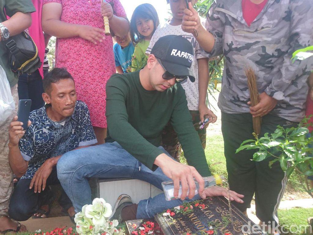 Raffi Ahmad Senang Makam Jupe dan Olga Selalu Ramai