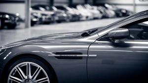Parkiran Mewah Khusus Mobil Super