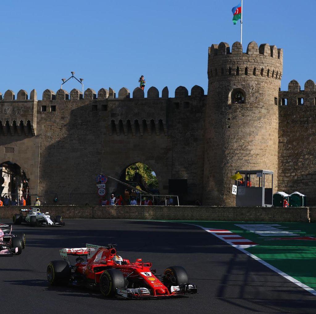 Ricciardo Komentari Insiden Vettel-Hamilton