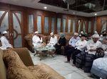 Bergamis Putih, Sandiaga Silaturahmi ke Rumah Habib Assegaf