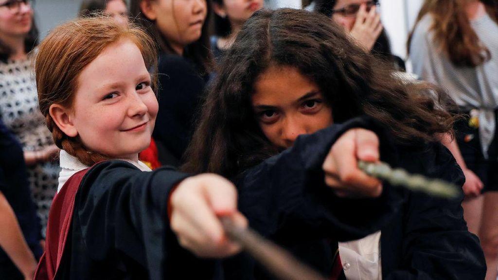 Begini Cara Fans Rayakan 20 Tahun Peringatan Harry Potter