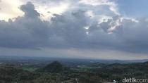 Mudik ke Yogyakarta: Main Sepeda Downhill di Puncak Sosok