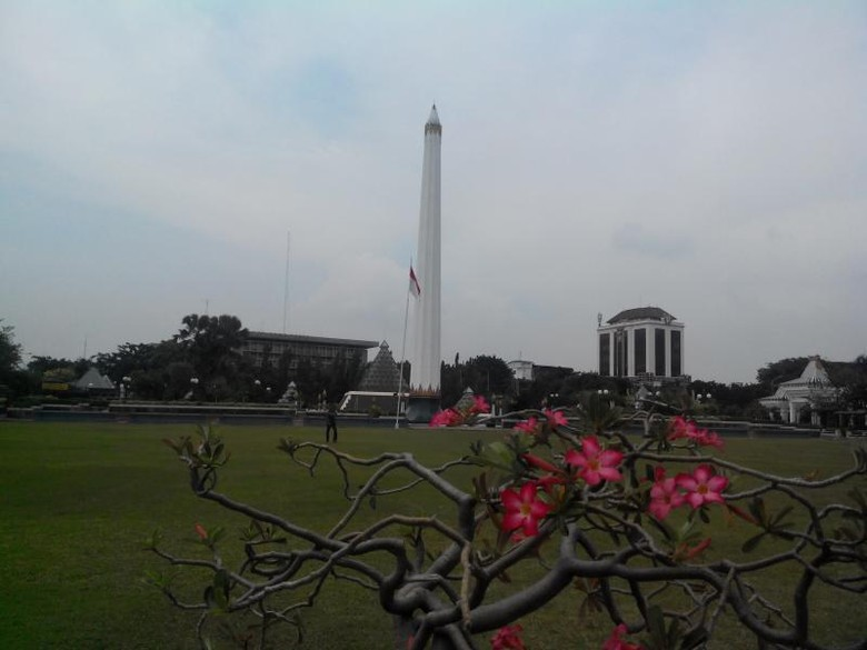 Belum Sah Mudik ke Surabaya Kalau Tidak Main ke Tugu Pahlawan