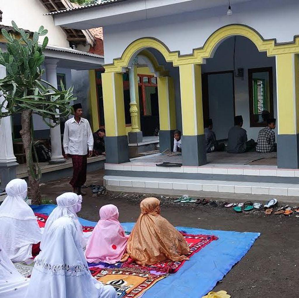 Jamaah Aboge di Probolinggo Hari Ini Rayakan Idul Fitri