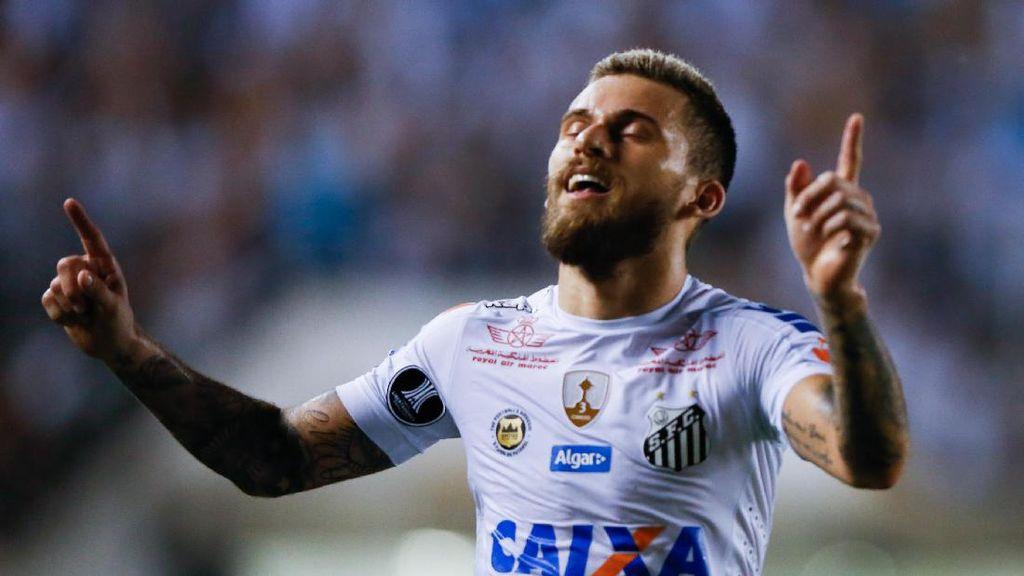 Barcelona Belum Ajukan Tawaran untuk Lucas Lima