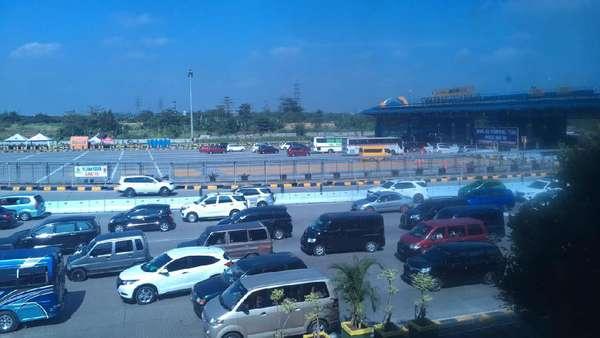 H+1 Lebaran, 88.000 Kendaraan Lewati Tol Cikarut Arah Jakarta