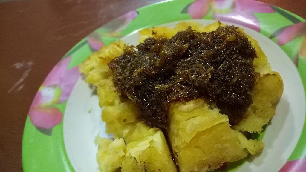 Macet di Lembang, Enaknya Mampir Dulu Makan Colenak dan Ketan Bakar