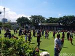 Libur Lebaran, Volume Sampah di Taman Alun-Alun Bandung Naik 200 Persen