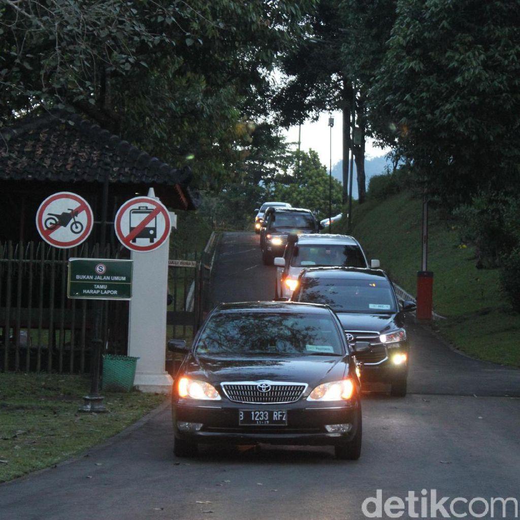 Obama Nikmati Sore di Candi Borobudur