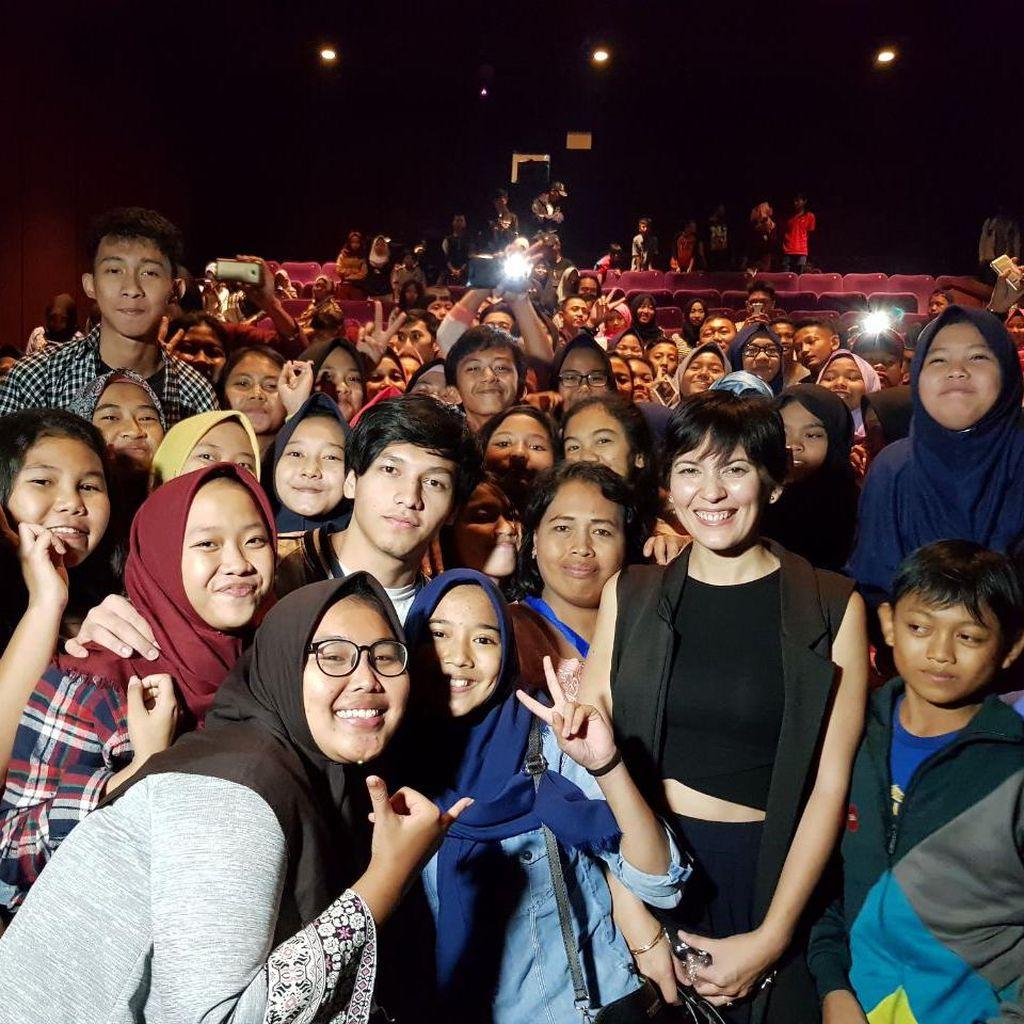 Serunya Nonton Bareng Bersama Bintang Film Jailangkung