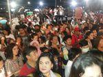 Usai Nyalakan Lilin, Massa yang Rayakan Ultah Ahok di Kalijodo Bubar