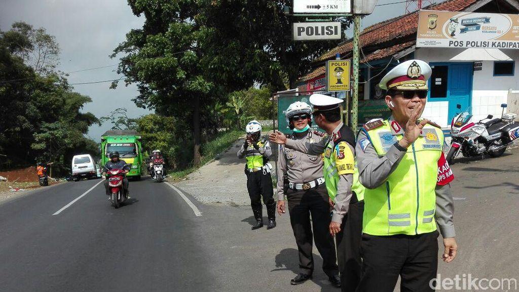 Cek Jalur Selatan, Kakorlantas Imbau Pemilik Truk Tunda Masa Operasi