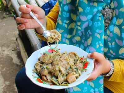 Mudik ke Cirebon, Coba Kuliner Lotek Bongko di Setu Patok